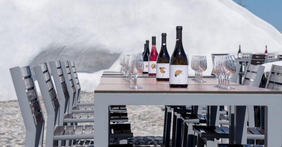 Venetsanos - table et bouteille